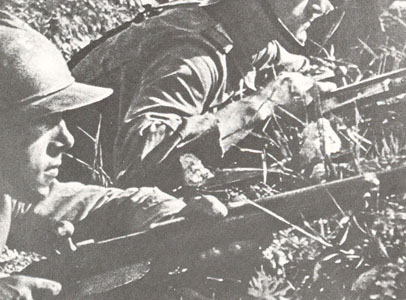 Casque Adrian roumain.